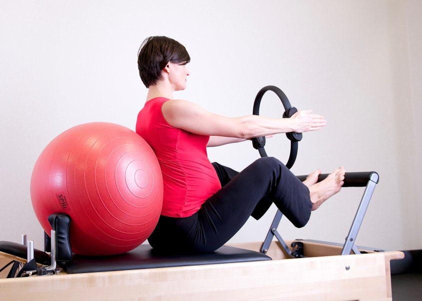 active-adult-aerobics-1103254